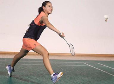 Racket Sports Clothing For Women2.jpg