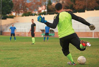 Goalkeeper Gloves3.png