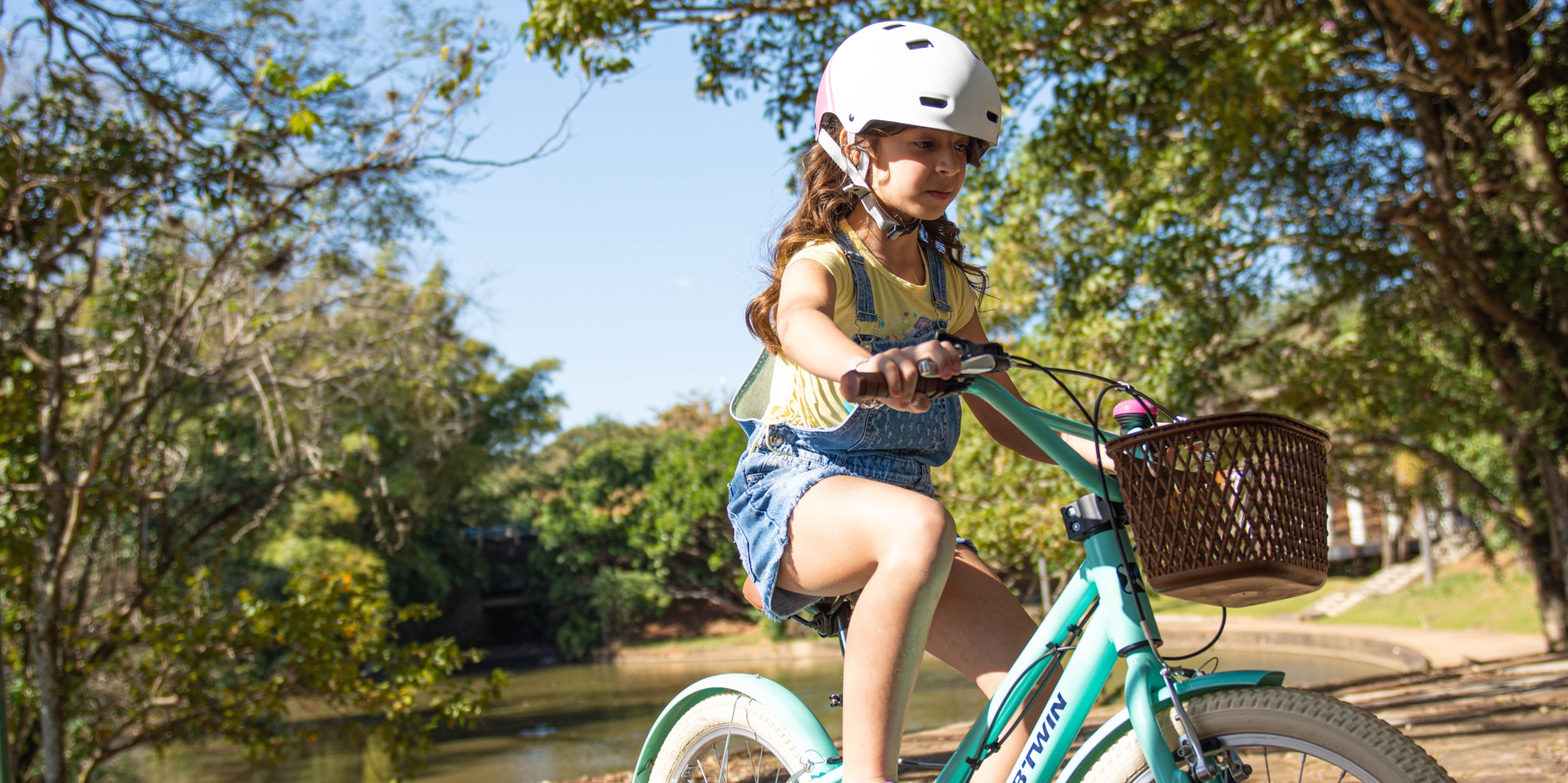 How Can We Stay Safe While Family Leisure Cycling?