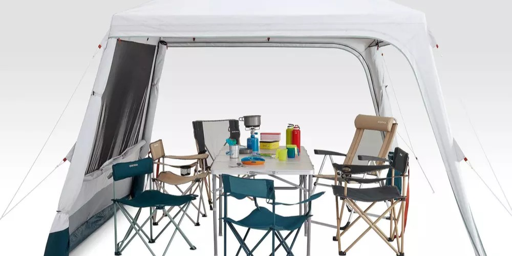 Camping+living+room+with+poles+arpenaz+base+fresh+10+person.jpg