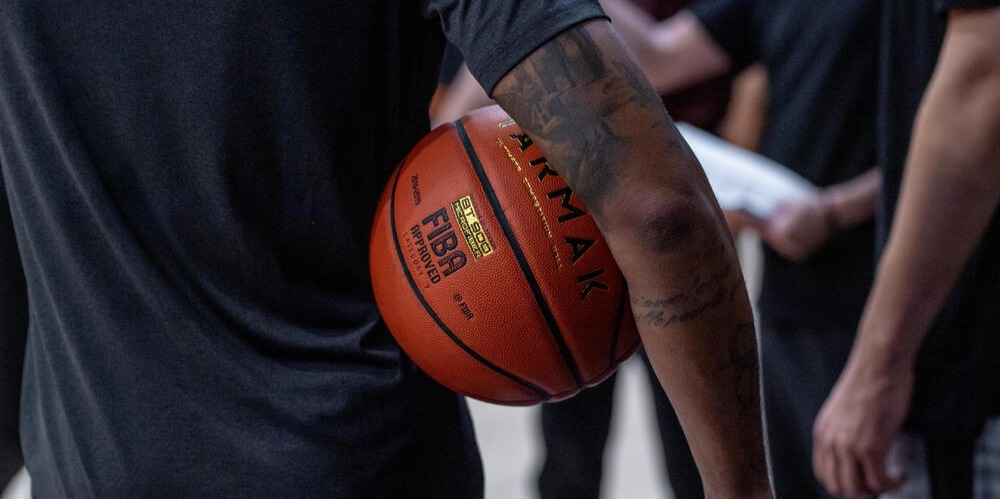 Basketball Size Guide: What Size Basketball Is Right For You?