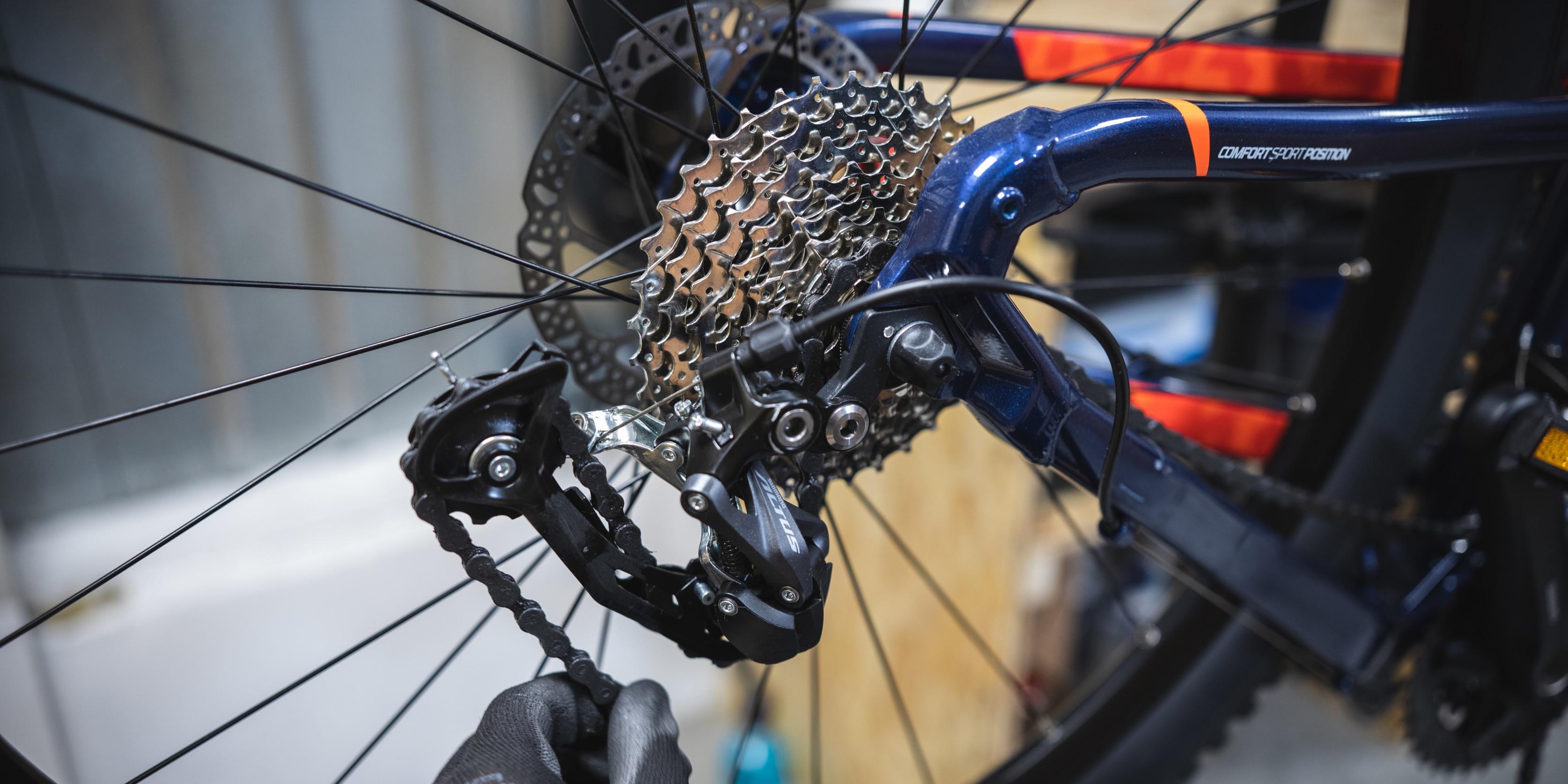 How To Put A Chain Back On A Bike