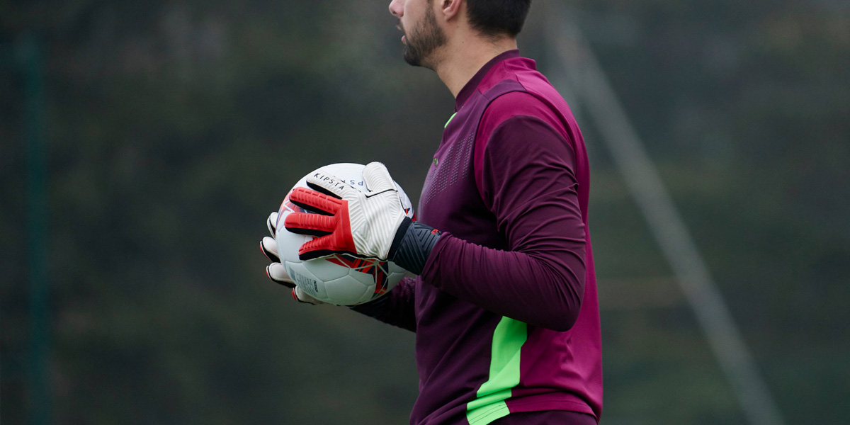 How To Choose Your Goalkeeper Gloves?