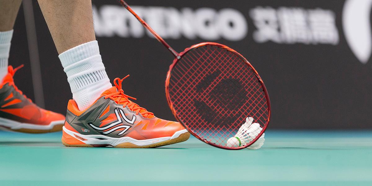 How To Choose Badminton Racket Strings?