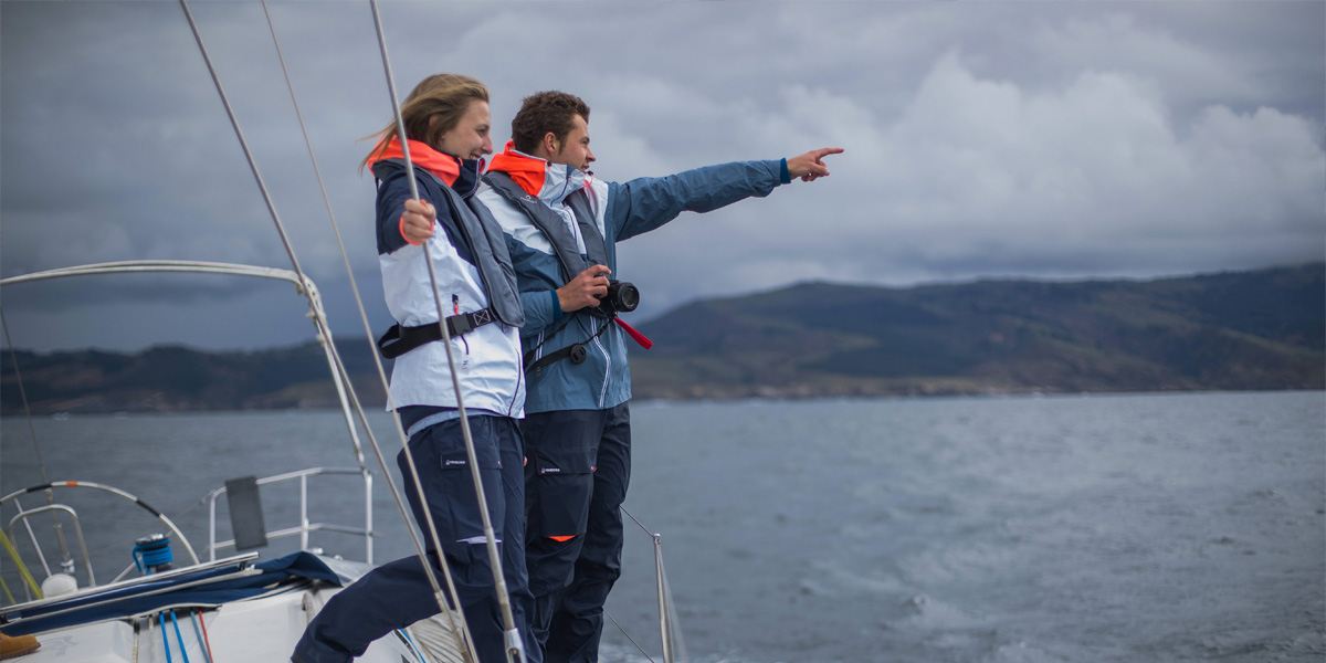 How To Choose The Right Sailing Clothing?