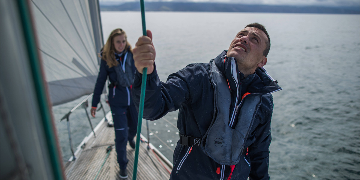 How To Choose Your Dinghy Sailing Clothing?