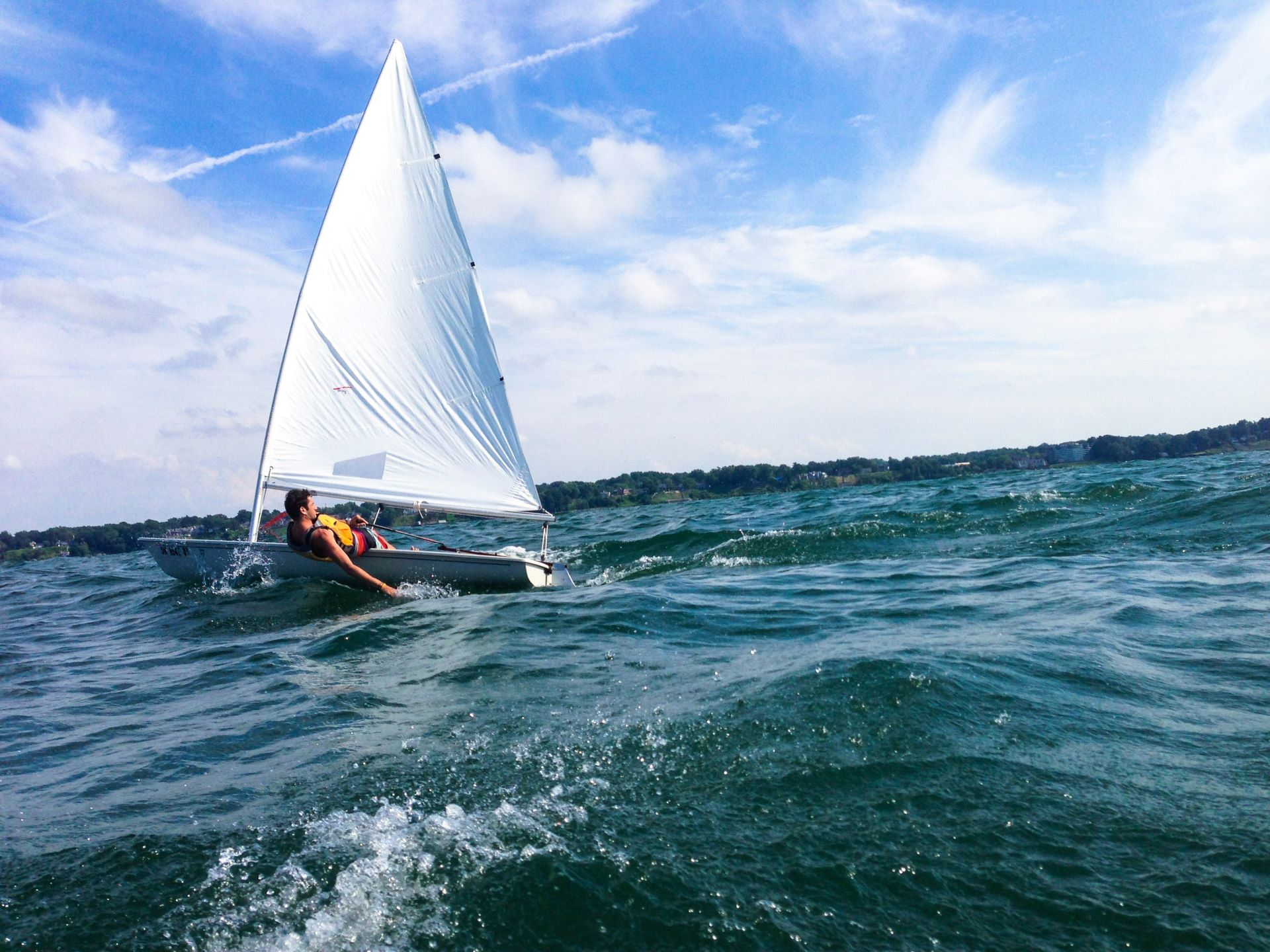 Learning To Sail: An Introduction To Dinghy Sailing