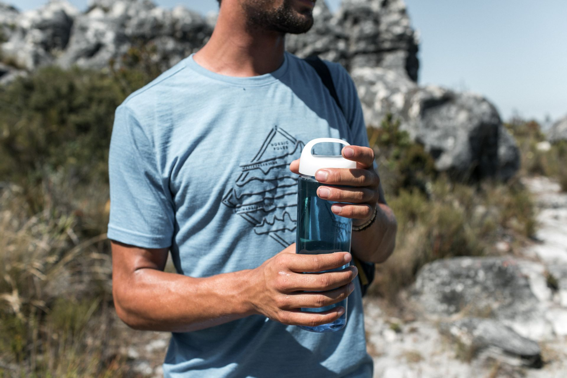 How To Stay Hydrated On A Hike?