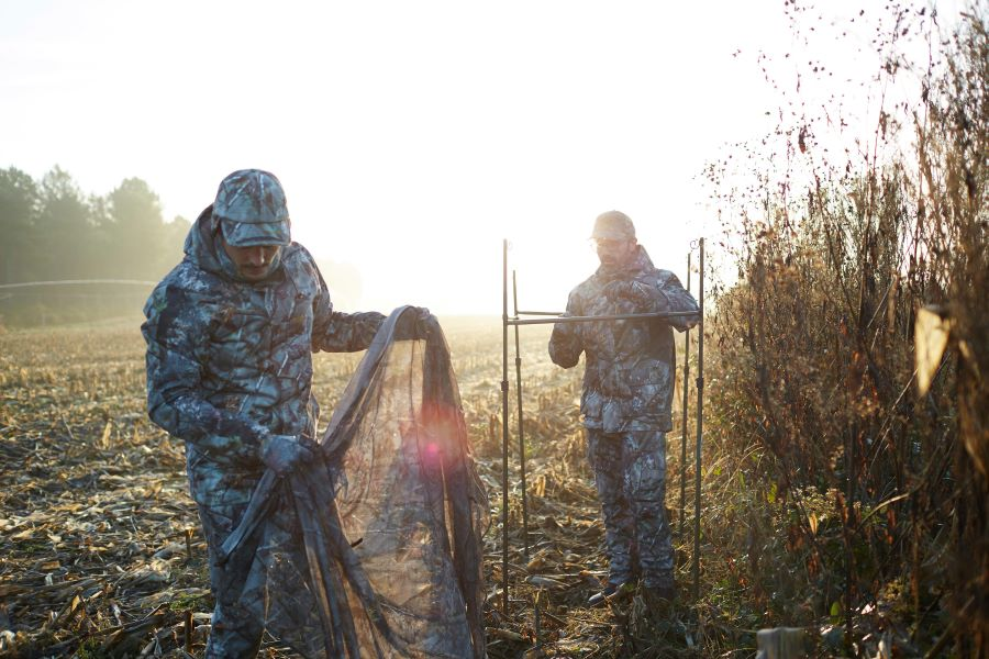 Setting Up A Hide To Decoy Pigeons