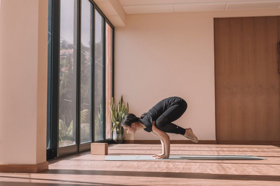 How To Practice Yoga At Home (in 10 Simple Steps)